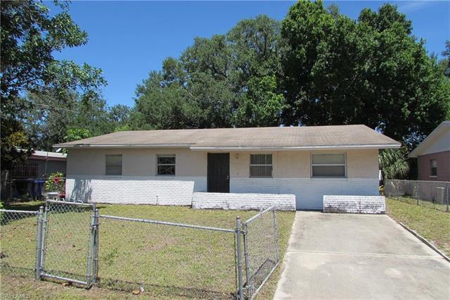 2613 Saint Charles St, Fort Myers, FL 33916