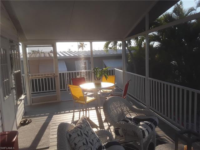 3712 Blueberry Ln, St. James City, FL 33956