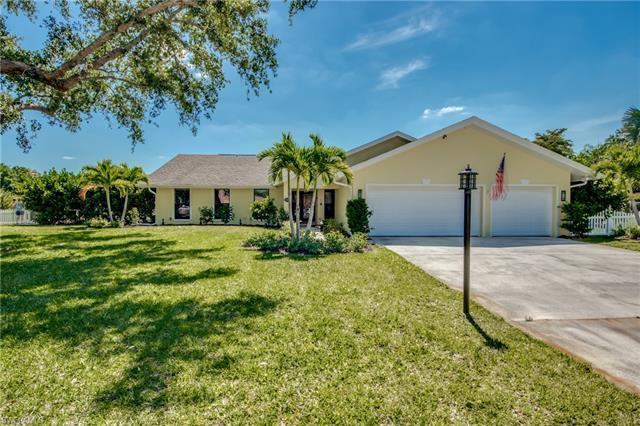 5703 Autumnwood Ct, Fort Myers, FL 33919