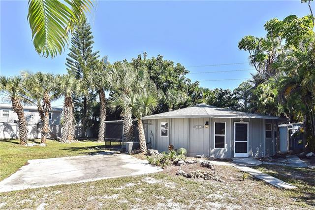 17242 Whitewater Ct, Fort Myers Beach, FL 33931