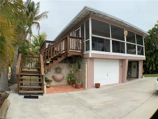 132 Driftwood Ln, Fort Myers Beach, FL 33931