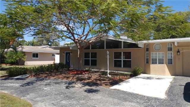585 Val Mar Dr, Fort Myers, FL 33919