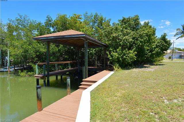 Seahorse Ln, Fort Myers Beach, FL 33931