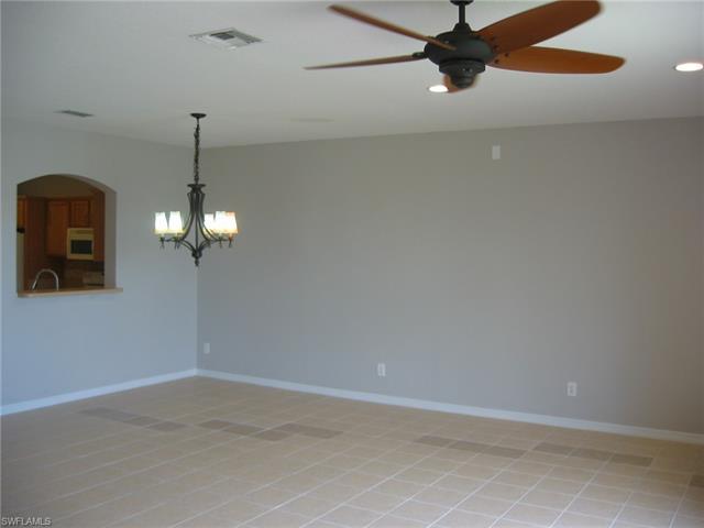 17566 Cherry Ridge Ln, Fort Myers, FL 33967
