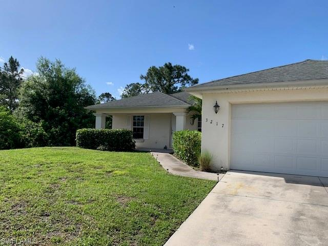 3217 39th St W, Lehigh Acres, FL 33971