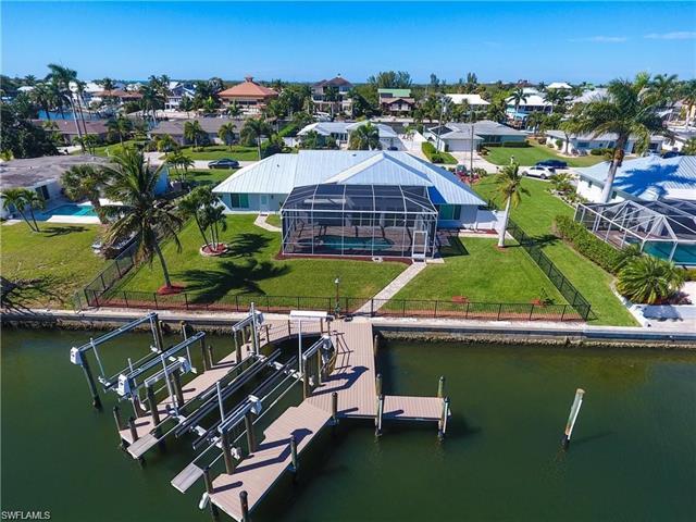 18387 Cutlass Dr, Fort Myers Beach, FL 33931