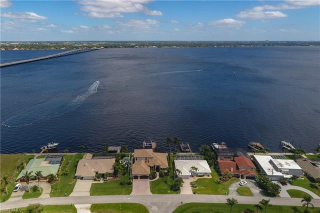 2602 Se 28th St, Cape Coral, FL 33904