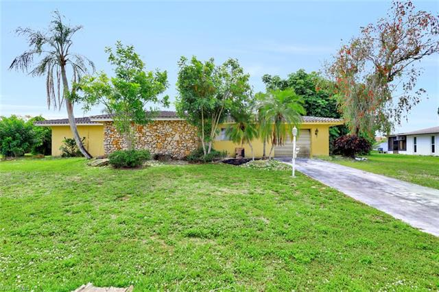 302 Dania St, Lehigh Acres, FL 33936