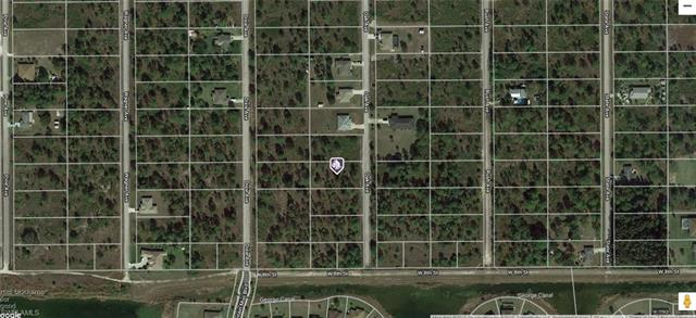 807 Oak Ave, Lehigh Acres, FL 33972