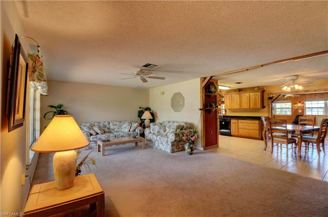 15965 Candle Dr, Fort Myers, FL 33908