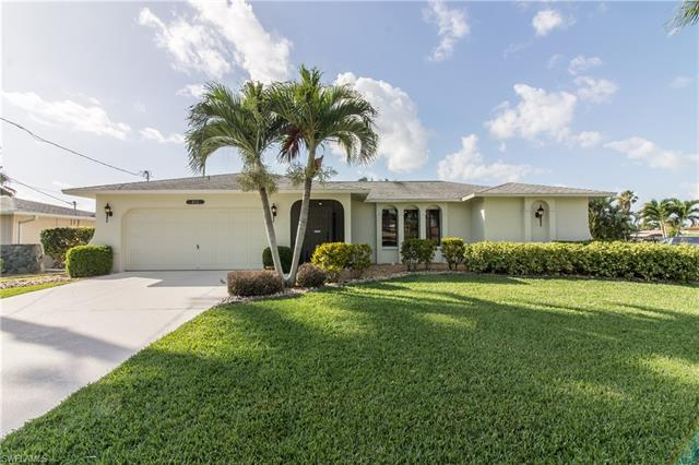 416 Pinecrest Ct, Cape Coral, FL 33904