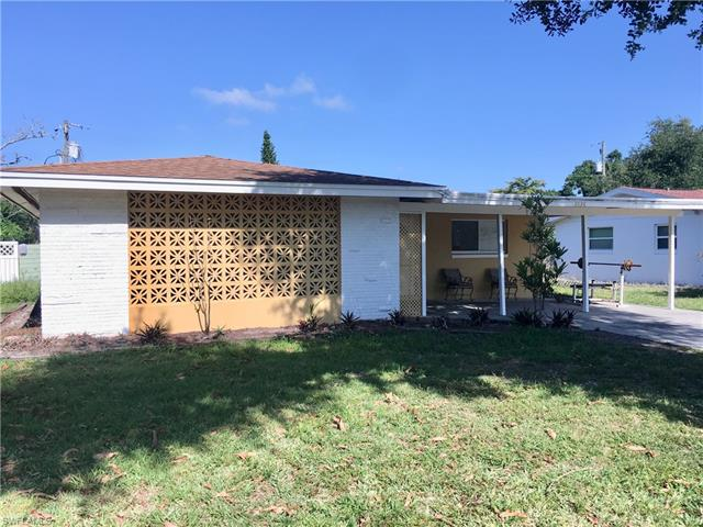 3838 Marvaez St, Fort Myers, FL 33901