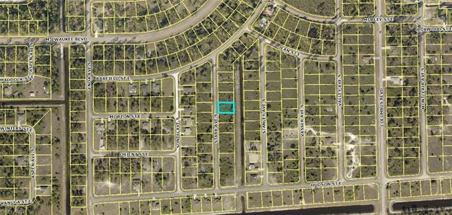 647 Stark Ave S, Lehigh Acres, FL 33974
