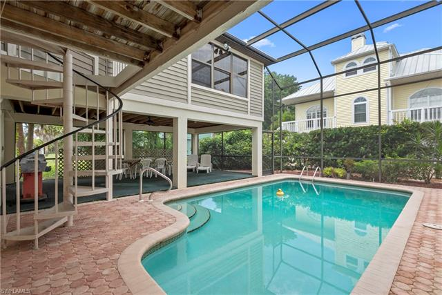 21064 Saint Peters Dr, Fort Myers Beach, FL 33931