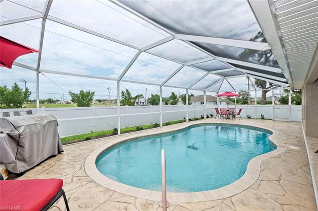 3328 Sw 15th Pl, Cape Coral, FL 33914