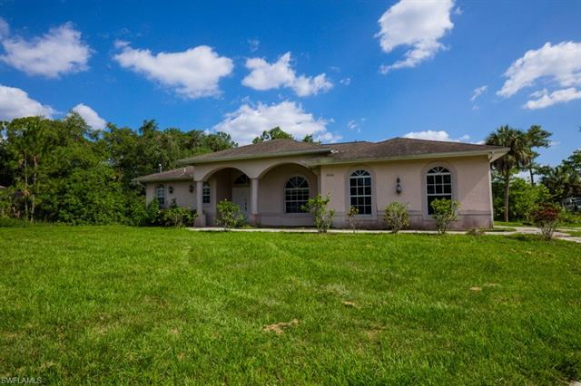 2040 16th Ave Sw, Naples, FL 34117