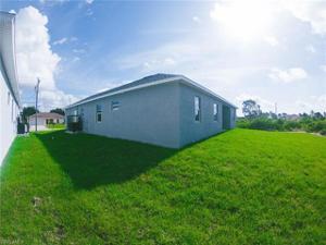 2805 43rd St Sw, Lehigh Acres, FL 33976