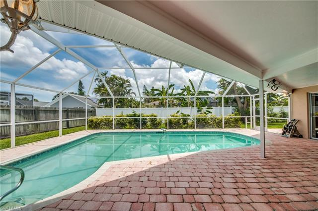 2210 Treehaven Cir N, Fort Myers, FL 33907