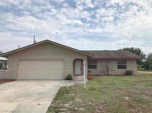 8052 Kansas Rd, Fort Myers, FL 33967