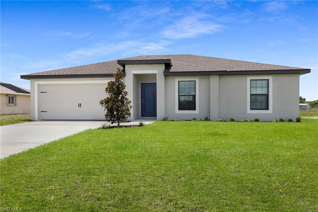 121 Blackstone Dr, Fort Myers, FL 33913
