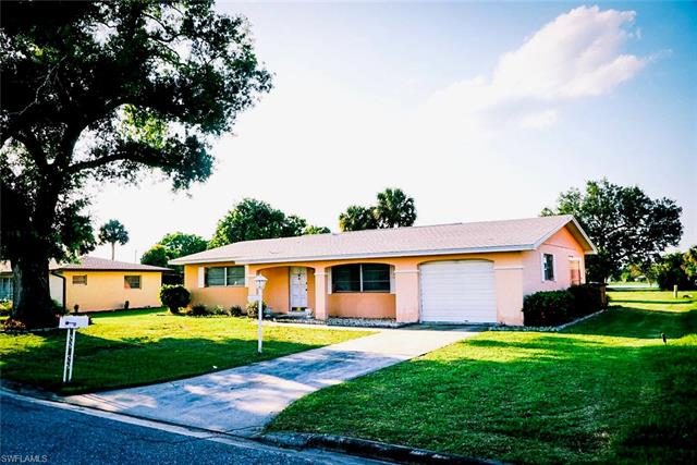 615 Grandview Dr, Lehigh Acres, FL 33936