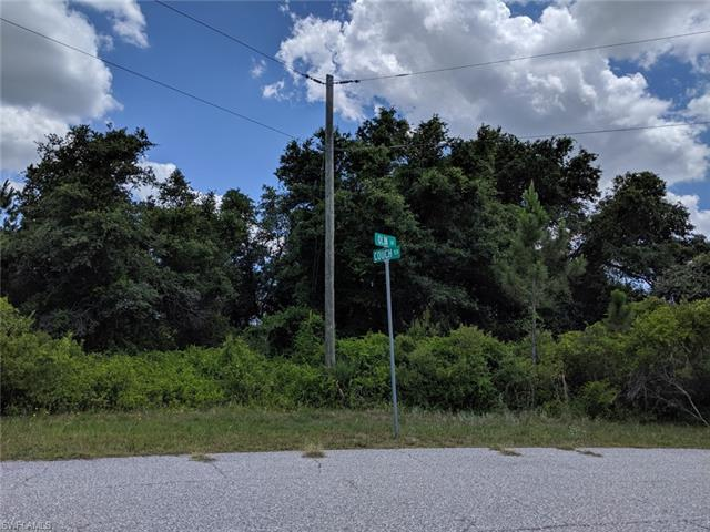 Couch Ter Ter, North Port, FL 34291