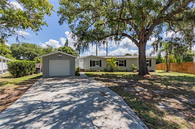2526 Zoysia Ln, North Fort Myers, FL 33917