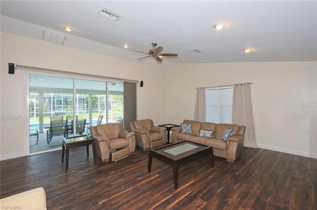 1126 Sw 6th Ave, Cape Coral, FL 33991
