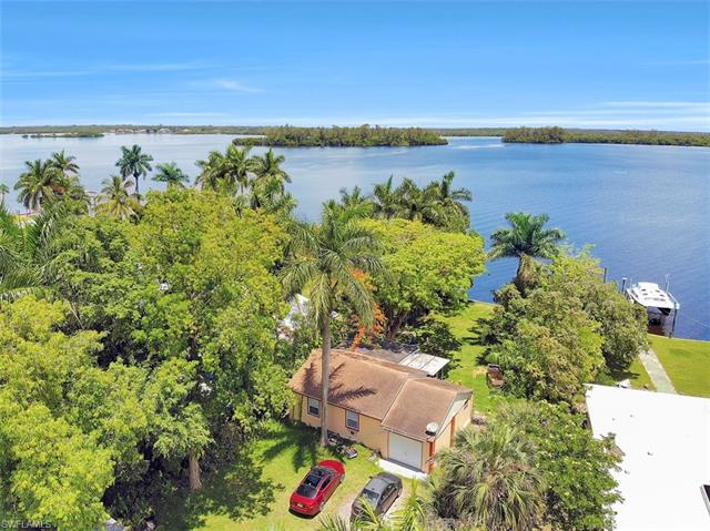 4515 E Riverside Dr, Fort Myers, FL 33905