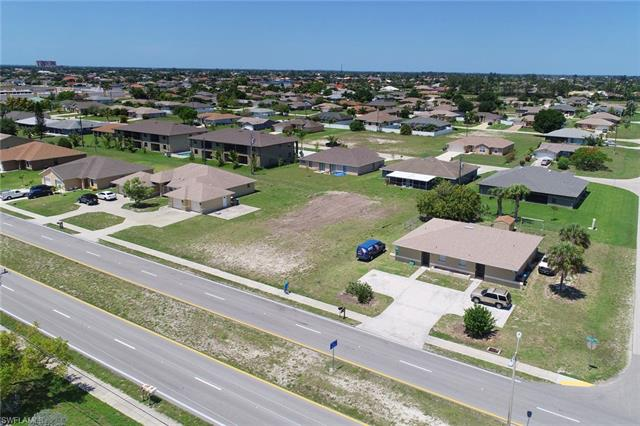 4026 Skyline Blvd, Cape Coral, FL 33914