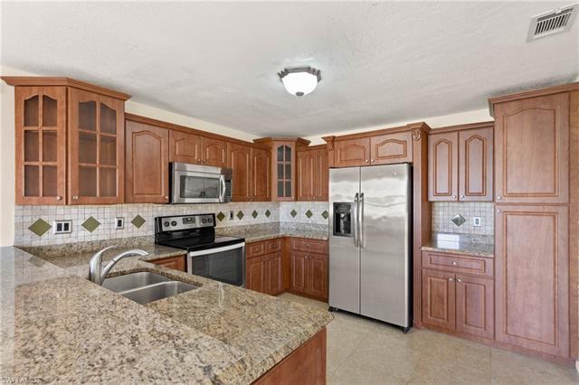 321 Santa Barbara Blvd, Cape Coral, FL 33991