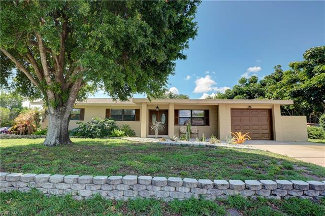 4029 Country Club Blvd, Cape Coral, FL 33904