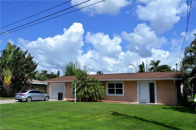 6099 Island Park Ct, Fort Myers, FL 33908