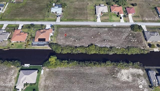 2042 Nw 4th St, Cape Coral, FL 33993