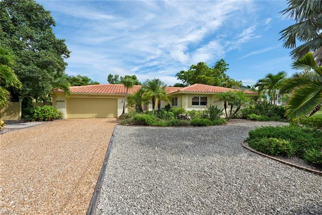 556 Chert Ct, Sanibel, FL 33957