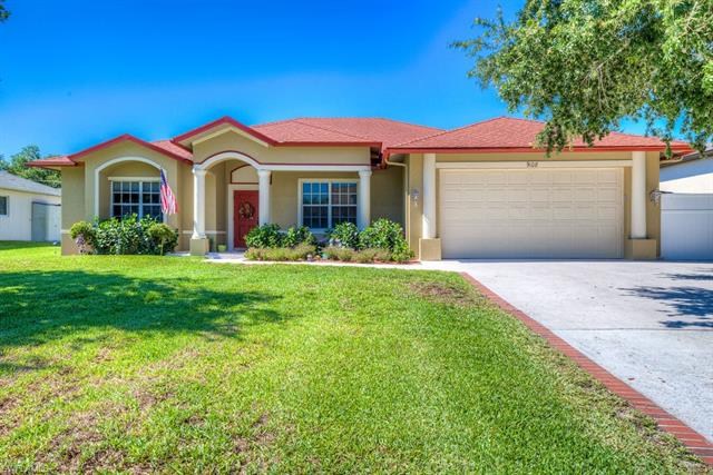 9108 Cypress Dr N, Fort Myers, FL 33967
