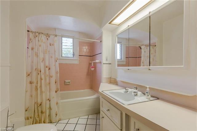 1375 B Alcazar Ave, Fort Myers, FL 33901