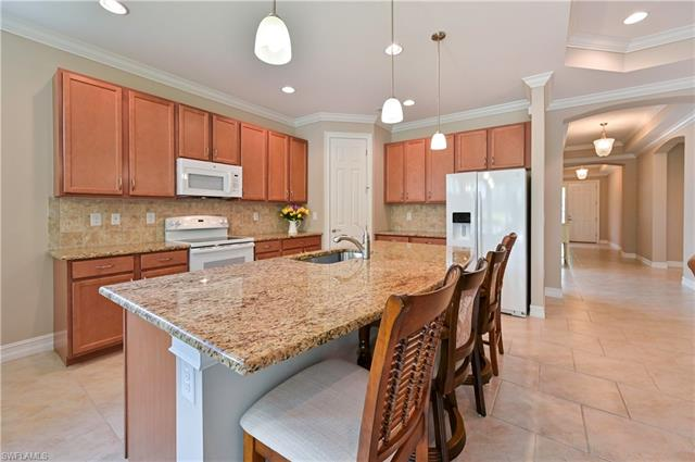 3889 King Williams St, Fort Myers, FL 33916