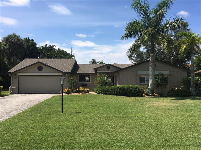 832 N Town And River Dr, Fort Myers, FL 33919