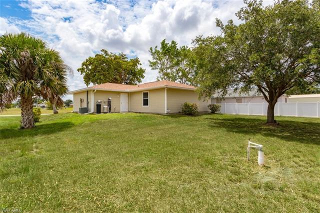 425 Nw Juanita Ct, Cape Coral, FL 33993