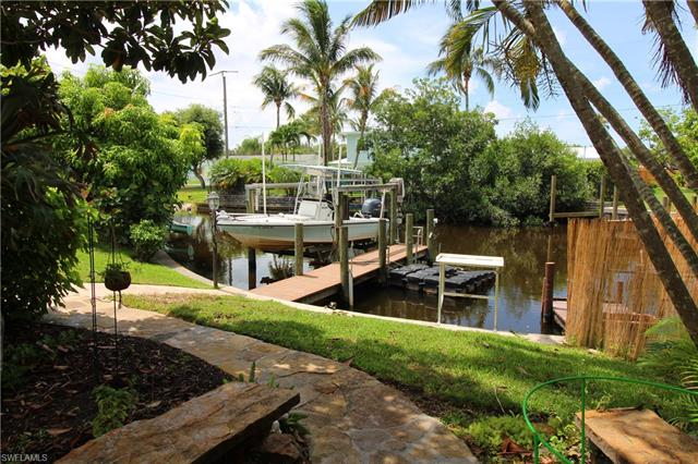 1016 Ione Dr, Fort Myers, FL 33919