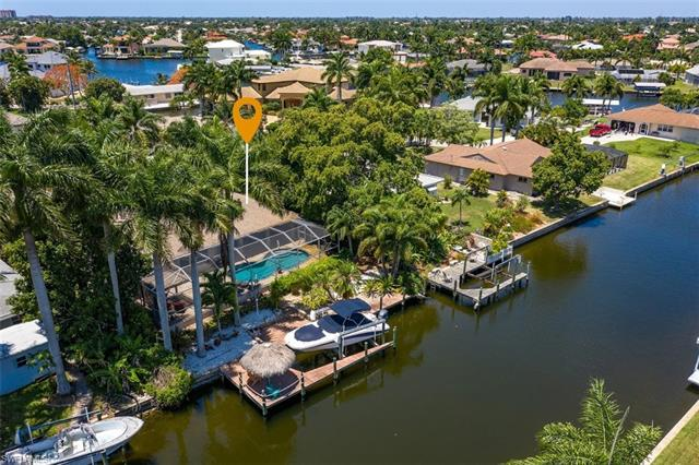 5223 Seminole Ct, Cape Coral, FL 33904