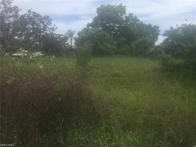 165 Easton Dr Nw, Port Charlotte, FL 33952