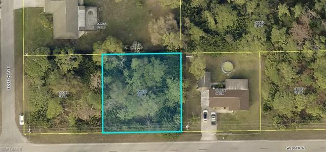 306 W 10th St, Lehigh Acres, FL 33972
