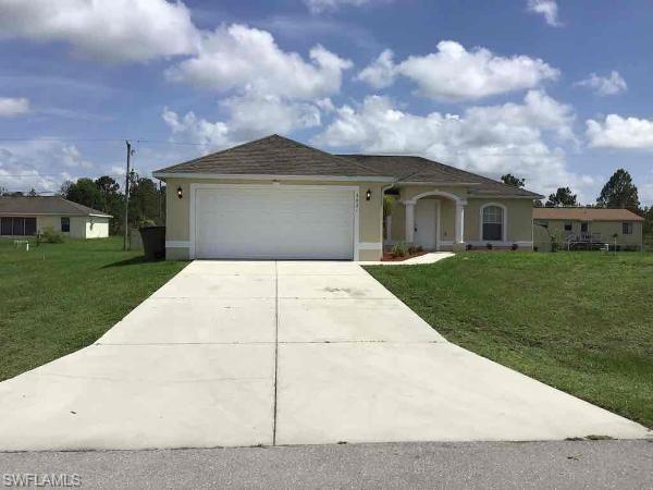 3821 21st St W, Lehigh Acres, FL 33971