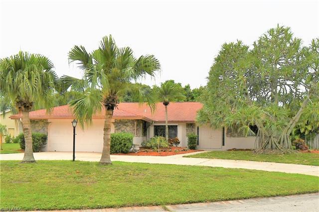 5701 Sandpiper Pl, Fort Myers, FL 33919