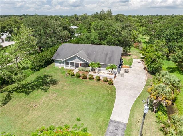 4661 Long Lake Dr, Fort Myers, FL 33905