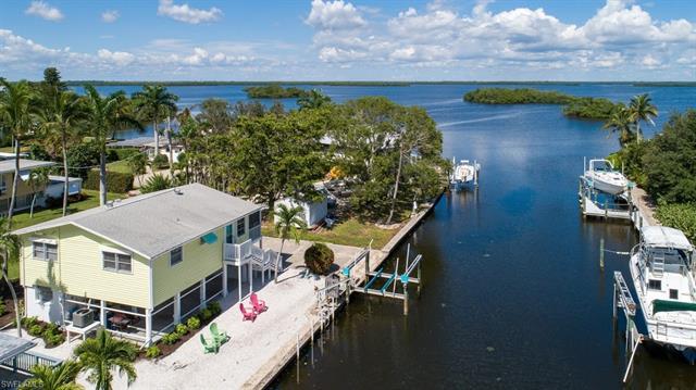 248 Driftwood Ln, Fort Myers Beach, FL 33931