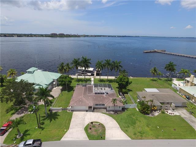 1214 Flamingo Dr, Cape Coral, FL 33904