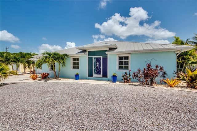 3778 Pinetree Dr, St. James City, FL 33956